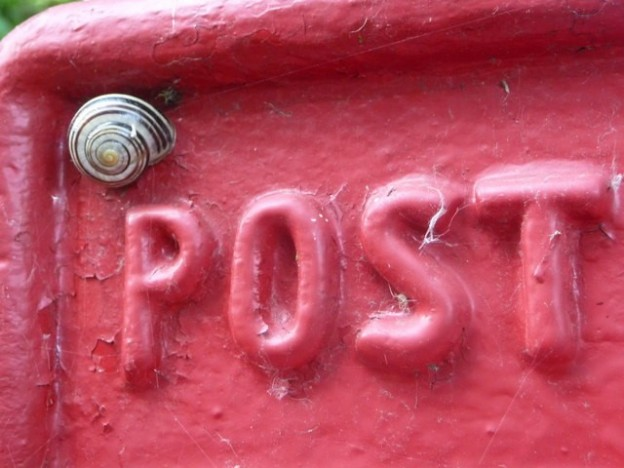 E-mail V Direct Mail